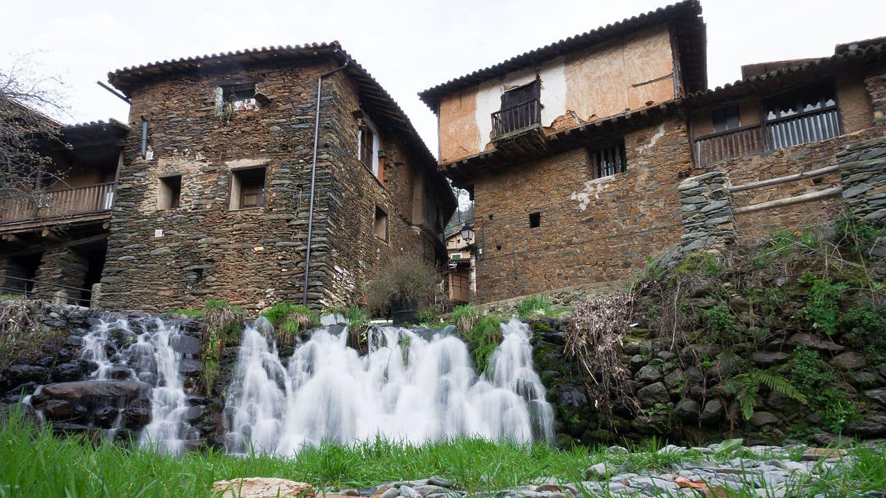 Vista de las casas de Robledillo de Gata