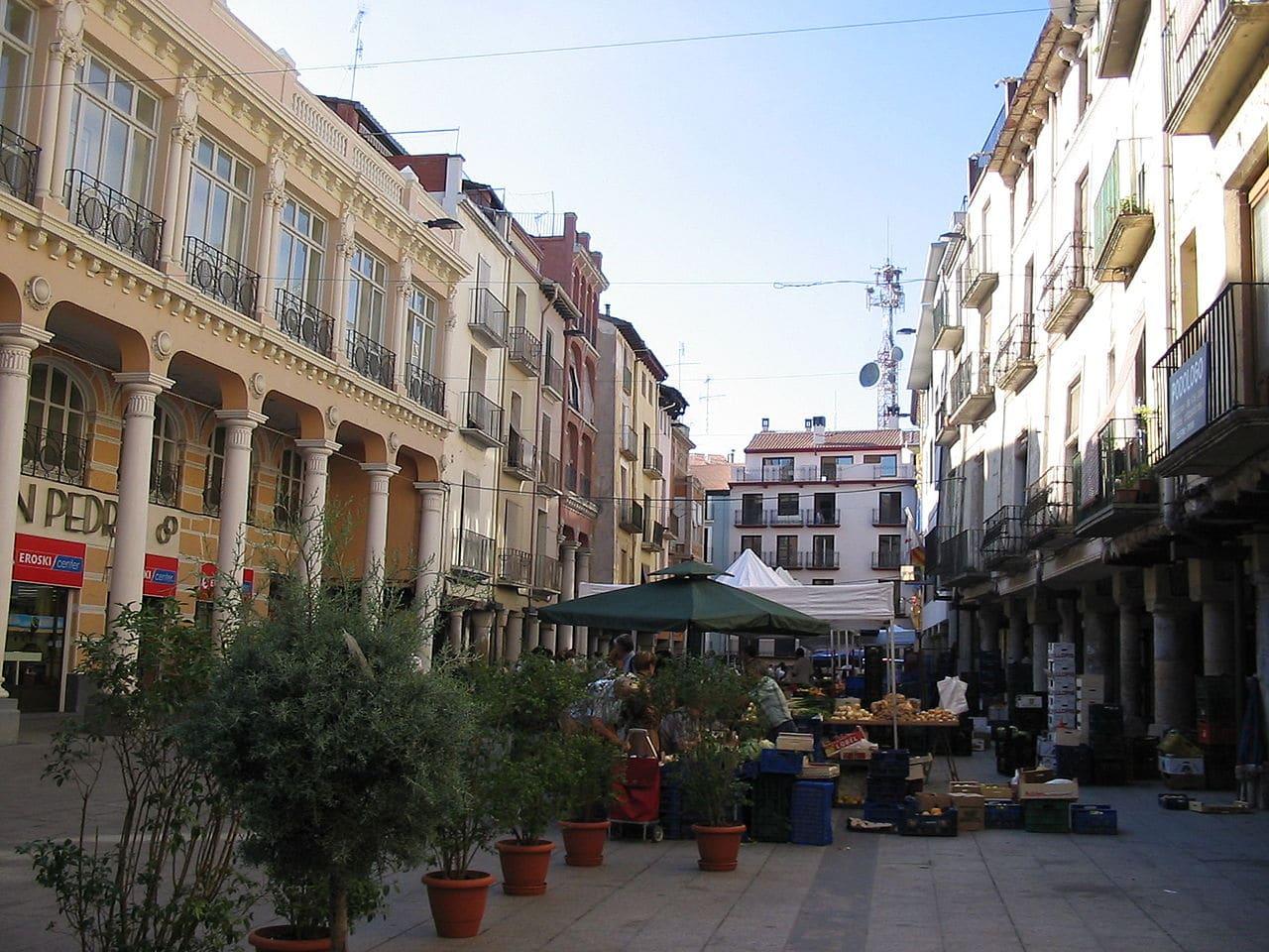La plaza del Mercado de Barbastro