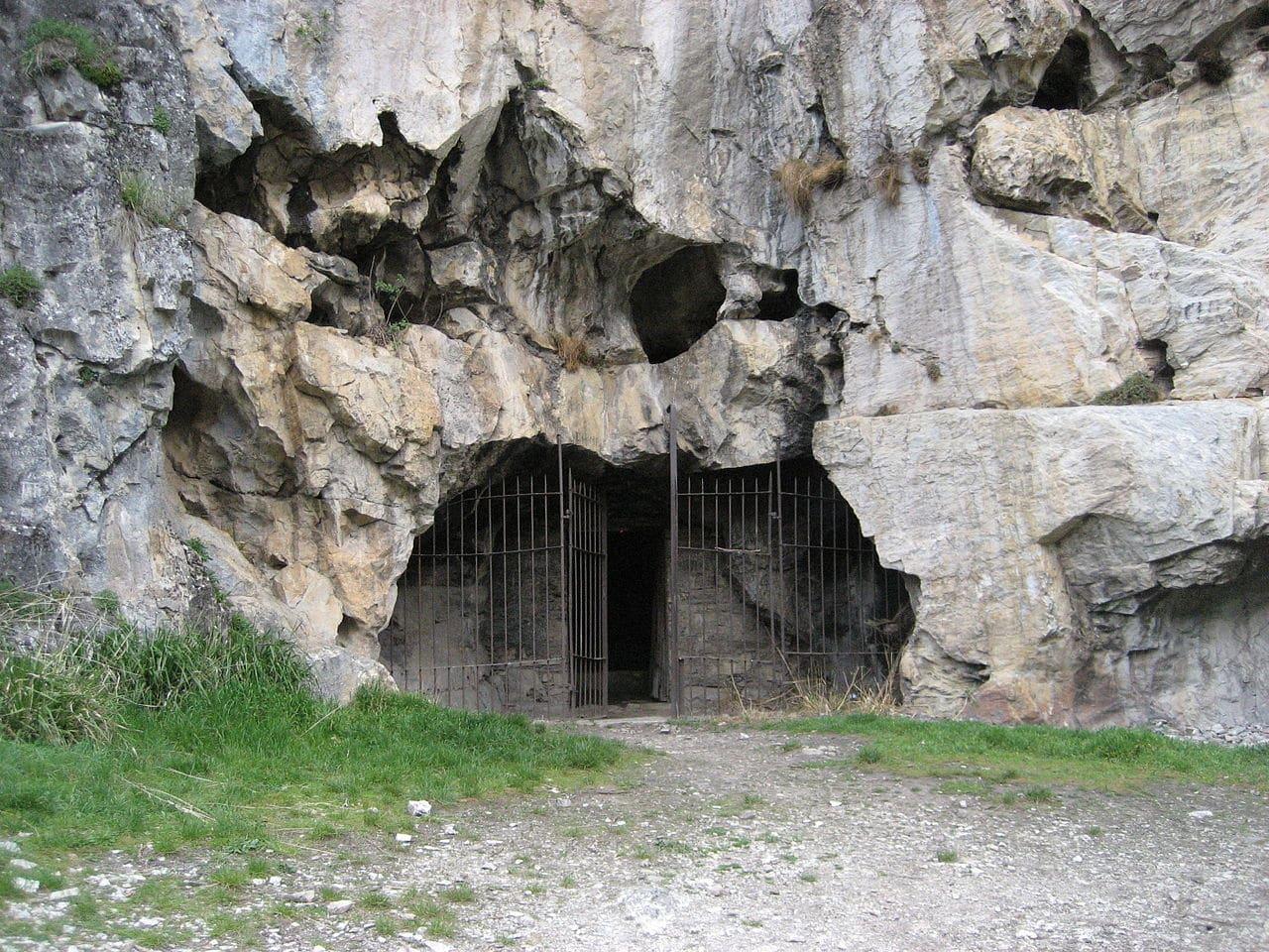 La cueva de San Genadio