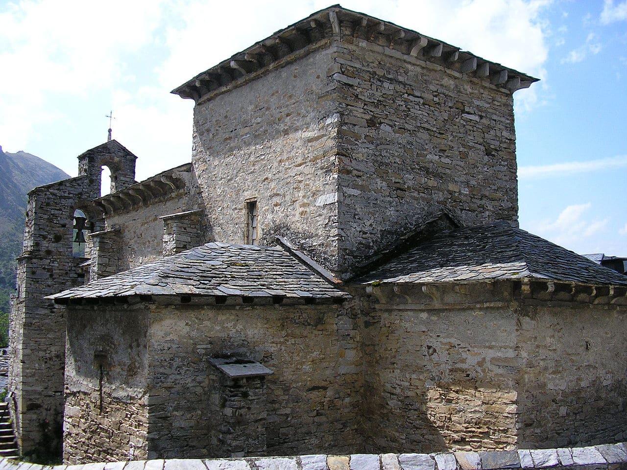 La iglesia de Santiago de Peñalba