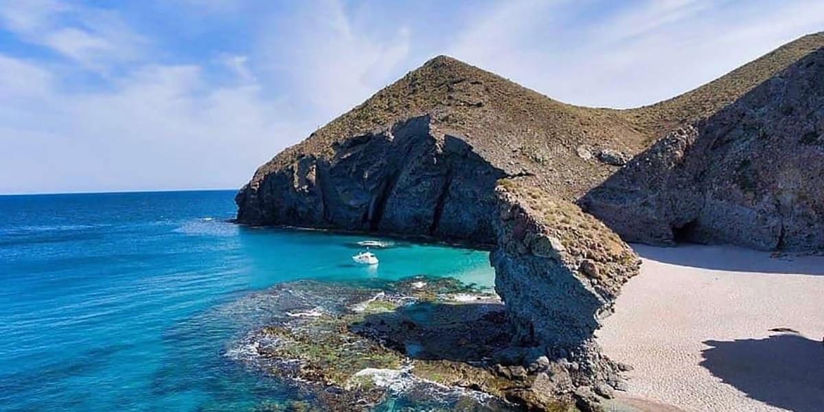 La Playa de los Muertos en Almería
