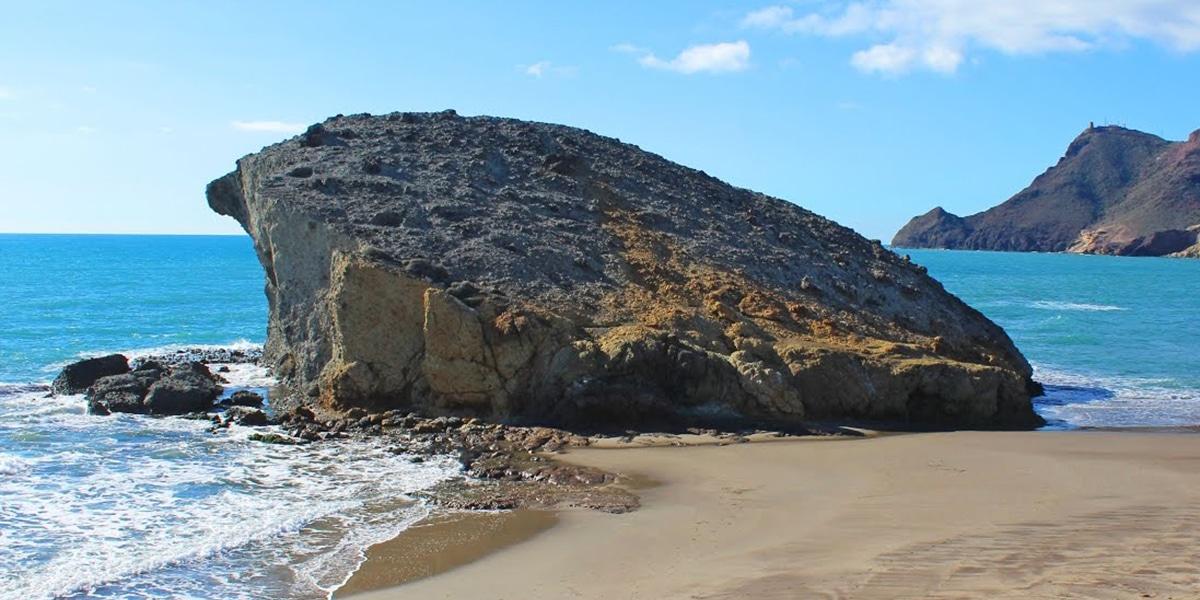 Playas nudistas para visitar en Almería