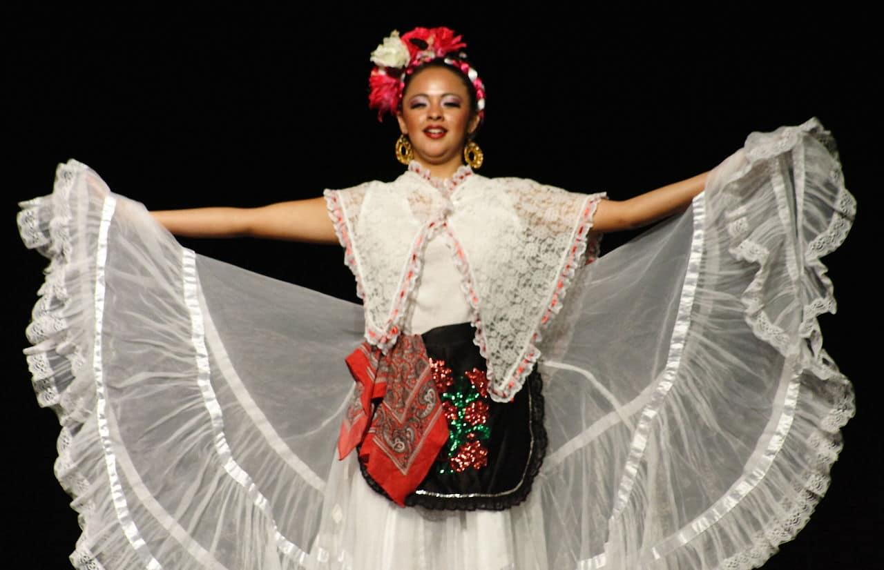 Traje típico de Veracruz de mujer