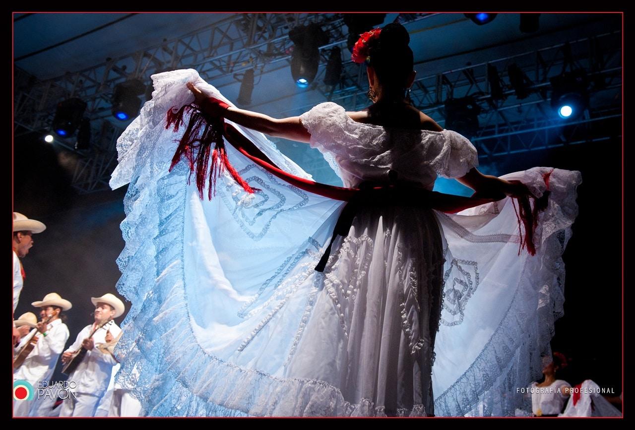 Mujer con traje típico de Veracruz