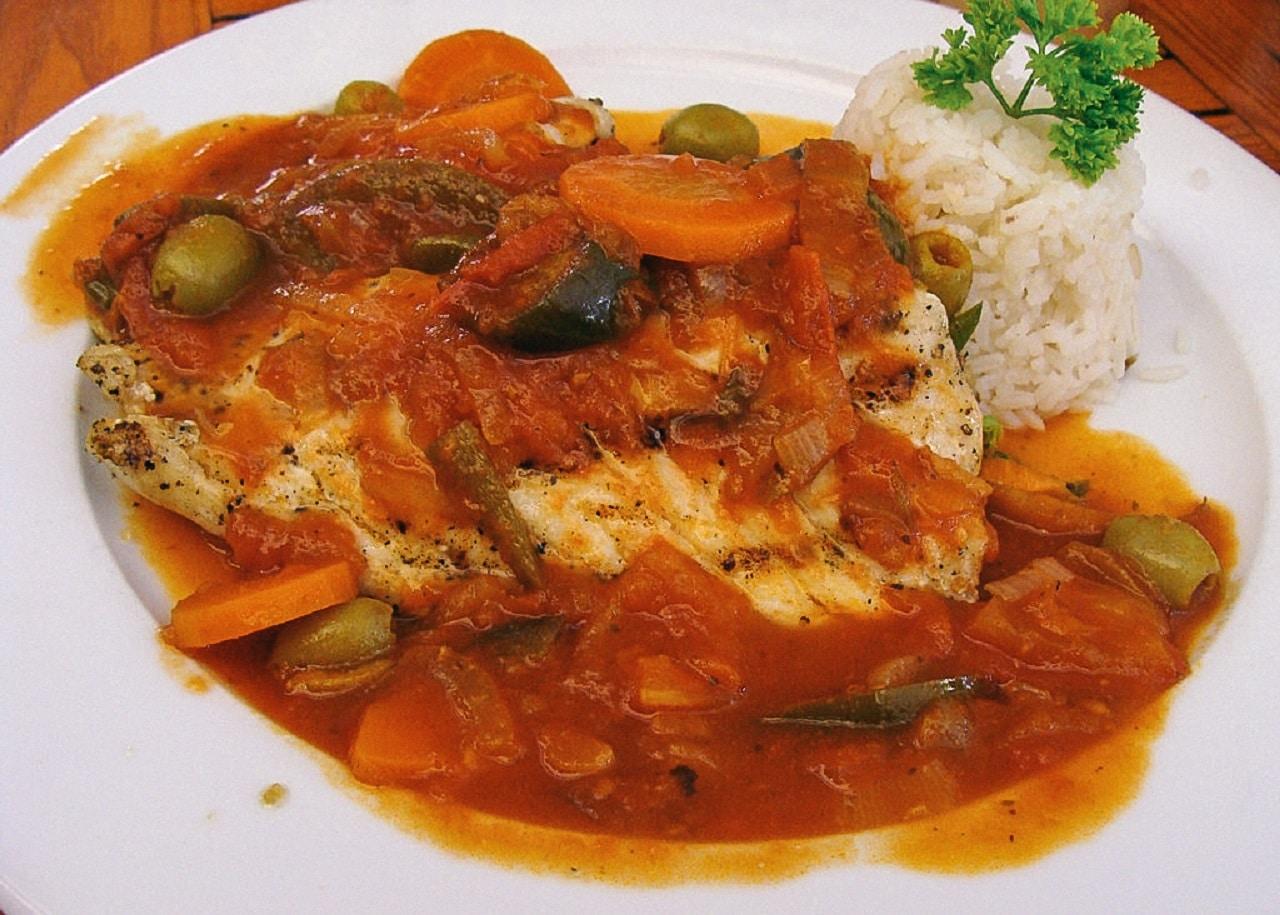 Plato de pescado a la veracruzana